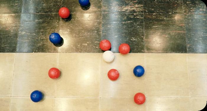3.赤球・青球を投球